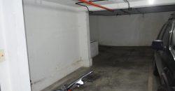 MUY BUEN 2 AMB. C/COCHERA CUB. PISO ALTO